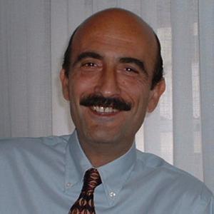 Dr. Enrique Álvarez